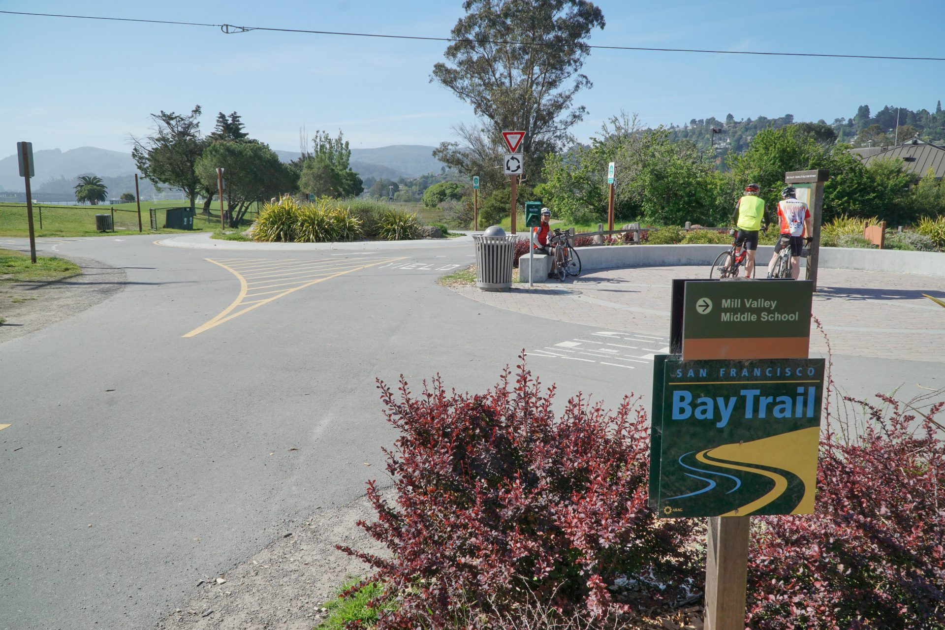 Bay Trail sign with bike path intersection beyond