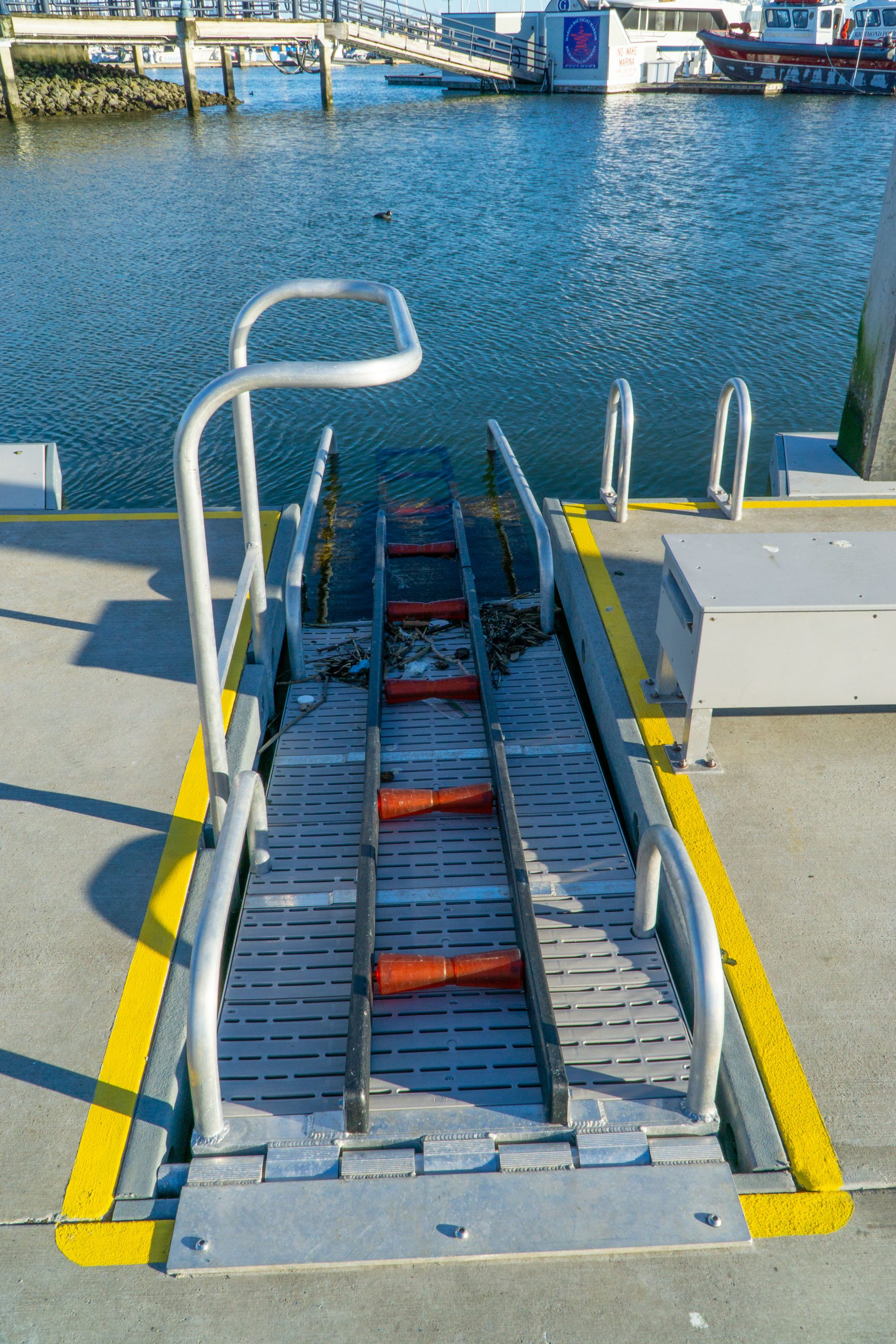 kayak-friendly pier with boat launch