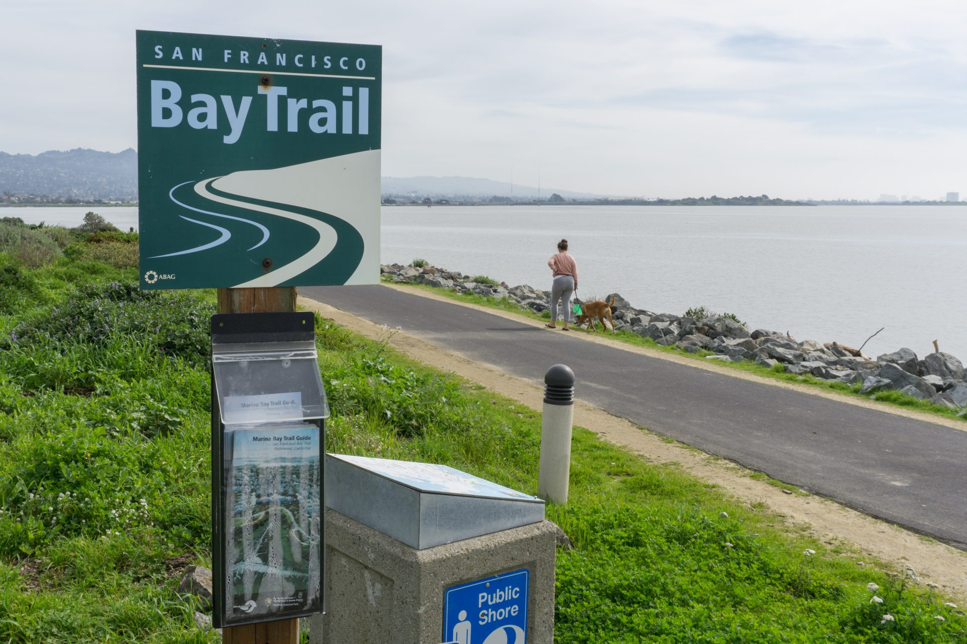 Sign for Bay Trail, with path on right